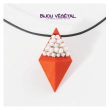 Živé šperky - Náhrdelník Diamant oranžový s trvalými bílými květy
