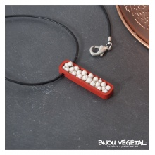 Živé šperky - Náhrdelník Jardiniere červený s trvalými bílými květy