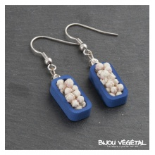 Živé šperky - Náušnice Vertigo modré s trvalými bílými květy
