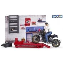Bruder Motodílna s mechanikem a motorkou